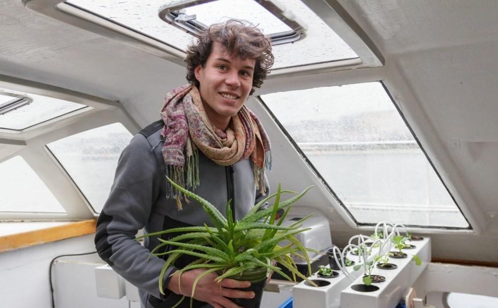 Clément, engenheiro e apaixonado por hidroponia