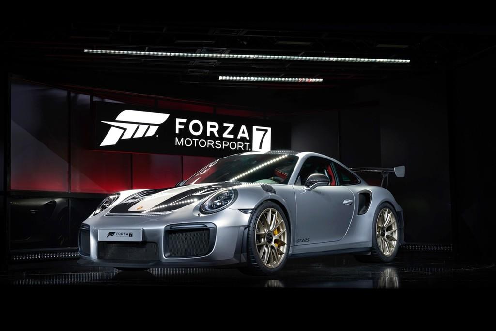 O Porsche 2018 911 GT2 RS, lançado na E3 (Foto: Divulgação)