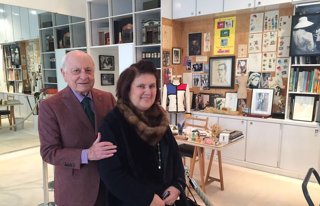 Pierre Bergé with Suzy Menkes in June 2017, as he explained his vision of keeping the Saint Laurent legacy alive in the Fondation in Paris's Avenue Marceau (Foto: @SUZYMENKESVOGUE)