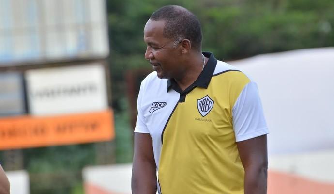 Júlio César auxiliar Rio Branco-SP (Foto: Sanderson Barbarini / Foco no Esporte)