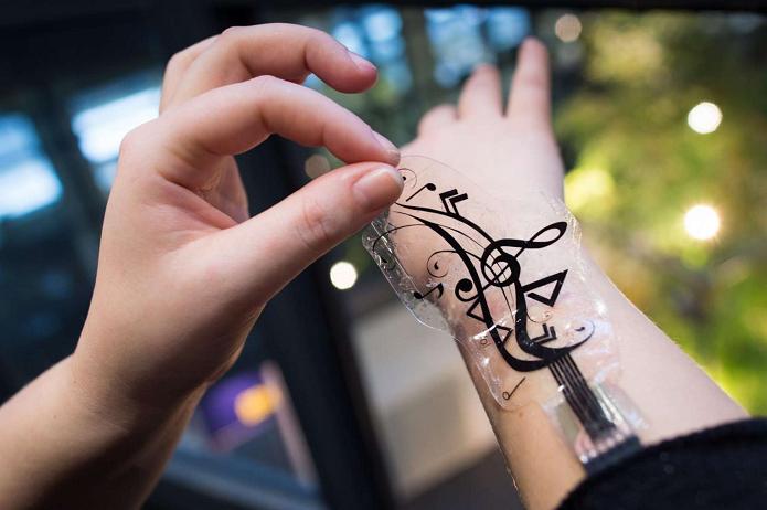 iSkin é um adesivo mágico para controlar smarts pela pele (Foto: Divulgação)