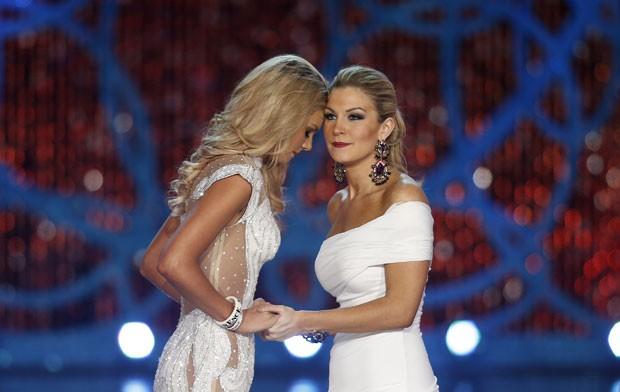 Candidata Ali Rogers (à esquerda), miss Carolina do Sul, e Mallory Hytes Hagan (Foto: Isaac Brekken/AP)