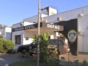 Depac Piratininga, em Campo Grande, está com serviços suspensos temporariametne por falta de energia elétrica (Foto: Reprodução/ TV Morena)