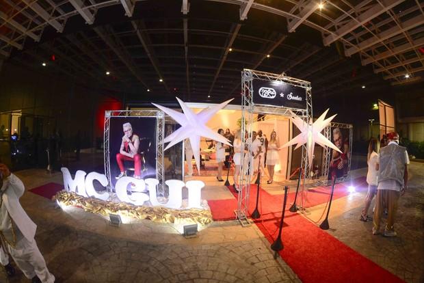 MC Gui comemora 17 anos com a presença de famosos (Foto: Leo Franco / AgNews)