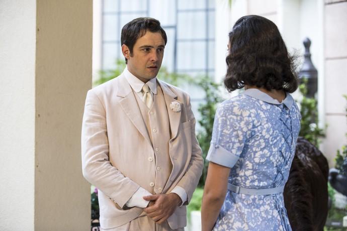 Antes do casamento de Candinho, ele e Filomena têm uma breve conversa (Foto: Ellen Soares / Gshow)