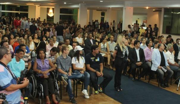 Salão do Automóvel Clube ficou lotado na entrega do Troféu Bola Cheia (Foto: Valdivan Veloso / Globoesporte.com)