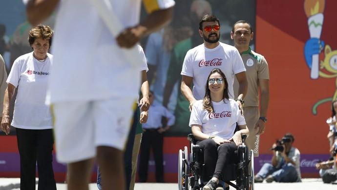Lais souza tocha olimpica cuidador (Foto: Divulgação/Coca-Cola)