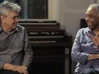 Caetano Veloso e Gilberto Gil se divertem com suas notícias em sites
