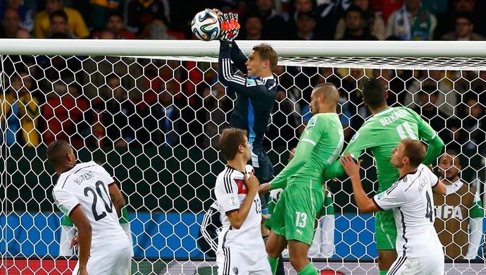 Neuer Alemanha x Argélia no Beira-Rio (Foto: Reuters)