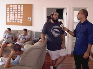 PREP_ Iran Giusti, fundador da Casa 1, acolhe LGBTs em situação de rua (Foto: TV Globo)