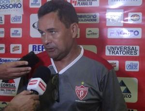 Treinador interino do Potiguar de Mossoró, Edinho Cardoso (Foto: Marcelo Diaz/Divulgação)