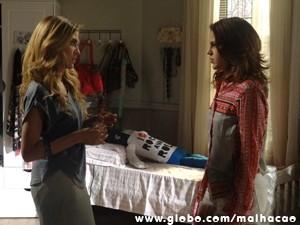 Sofia declara guerra à irmã (Foto: Malhação/TV Globo)