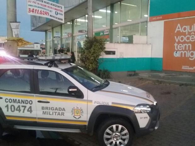 Confronto ocorreu quando policiais chegam ao local (Foto: BM/Reprodução)