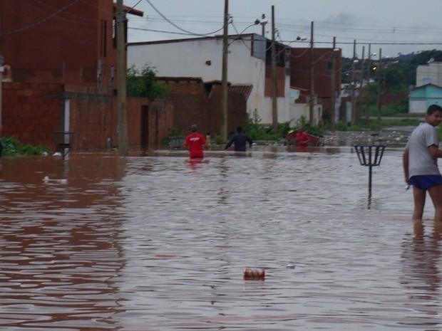 Rua D no bairro Canelas (Foto: Igor Gomes)