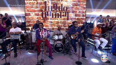 Fundo de Quintal se apresenta no palco do 'Encontro'