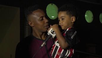 Wellington fala sobre voltar a ser titular do São Paulo, e filho interrompe entrevista