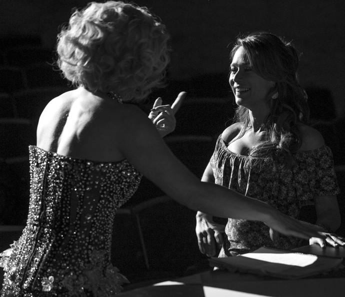 Atrizes mostram sintonia nos bastidores (Foto: Isabella Pinheiro/Gshow)