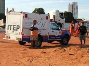 Travesti foi morto em Mossoró (Foto: Marcelino Neto/G1)