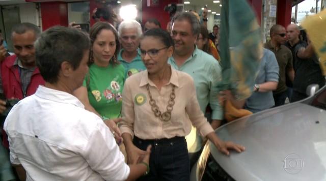 Candidata da Rede, Marina Silva, faz campanha em Maceió
