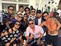 Neymar e Caio Castro curtem solteirice em Ibiza ao lado de amigos
