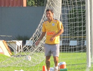 Ibson no treino do Santos (Foto: Marcelo Hazan / Globoesporte.com)