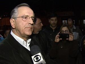 Prefeito diz que subsídio não é para pagar motoristas (Foto: Felipe Lazzarotto/EPTV)