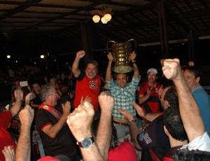 campinense, festa, copa do nordeste, william simões  (Foto: Lucas Barros / Globoesporte.com/pb)