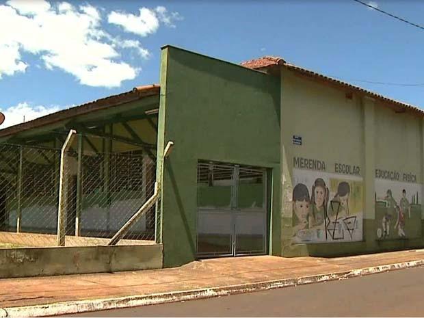 Sem merenda escolar, alunos de Guará são dispensados mais cedo da escola (Foto: Marcio Meireles/EPTV)