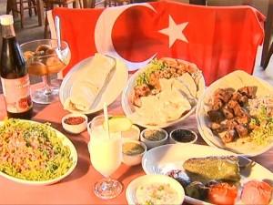 Gastronomia também chama a atenção dos catarinenses (Foto: Reprodução RBS TV)