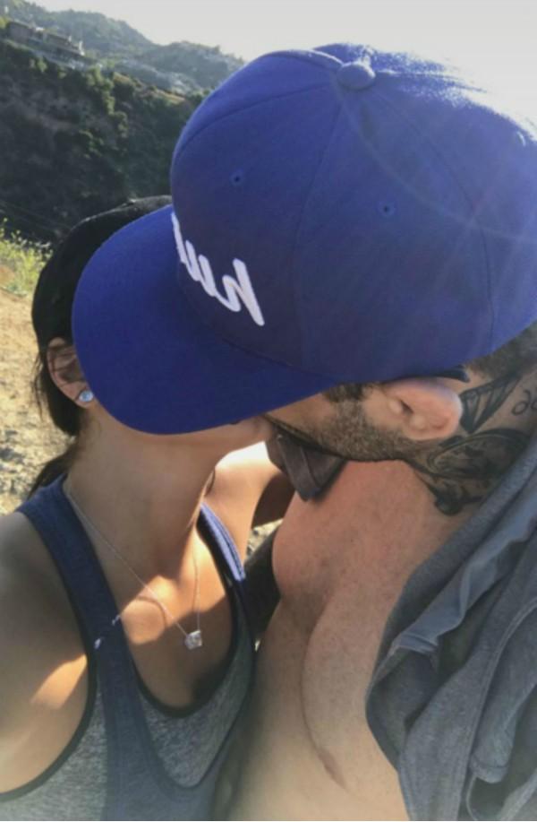 Demi Lovato e seu namorado Guilherme 'Bomba' Vasconcelos (Foto: Reprodução Snapchat)