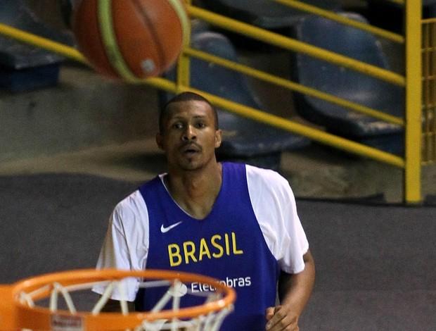 basquete Leandrinho treino da seleção (Foto: Gaspar Nóbrega / Inovafoto)