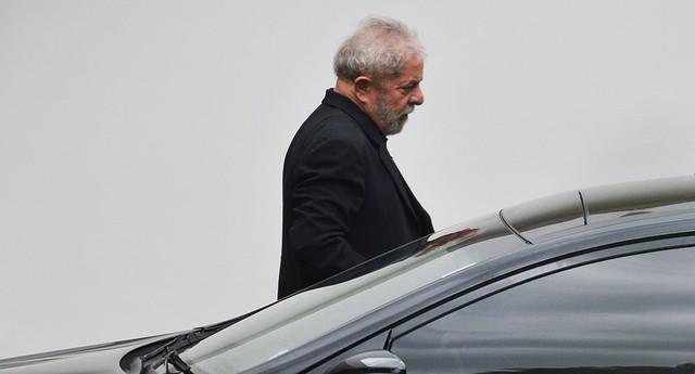 Lula se encontra com o presidente do Senado, Renan Calheiros (Foto: José Cruz/Agência Brasil)