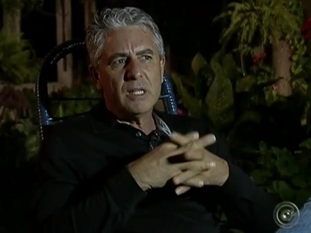 Empresário afirma que cria sacis em sítio de Porangaba (Foto: Reprodução/TV TEM)
