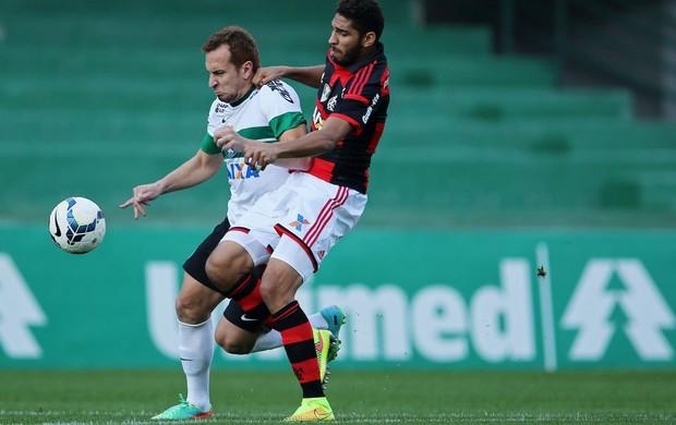 Zé Love coritiba e Wallace Flamengo brasileirão (Foto: Agência Getty Images)