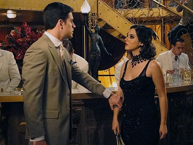 Lindinalva faz pouco de Juvenal: 'Pague. Para mim, tu é cliente feito qualquer outro' (Foto: Divulgação/TV Globo)