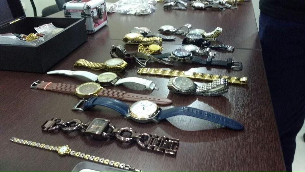 Alguns objetos furtados na região de Sorocaba foram recuperados pelos investigadores (Foto: Carlos Dias/G1)