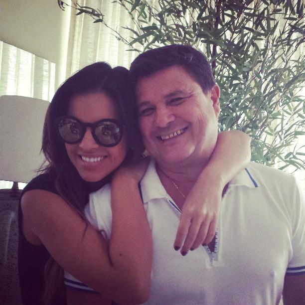 Mariana Rios e o pai (Foto: Instagram / Reprodução)