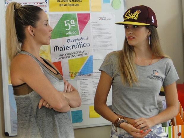 Fatinha procura Marcela e pede conselhos para a professora de Educação Física (Foto: Malhação / Tv Globo)