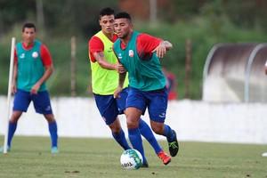 Mateus Muller Náutico (Foto: Marlon Costa/Pernambuco Press)