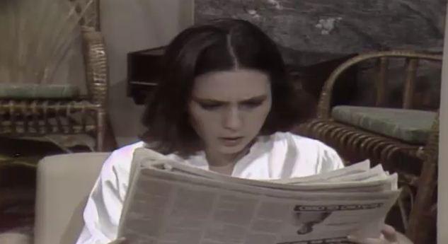 Horcio mostra o jornal a Carina e Norah e elas ficam assustadas ao saberem que foi Csar quem mandou mat-la (Foto: Reproduo/viva)