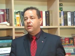 Mauricio Pereira, advogado do delegado Marcos Reategui (Foto: Reprodução/TV Amapá)