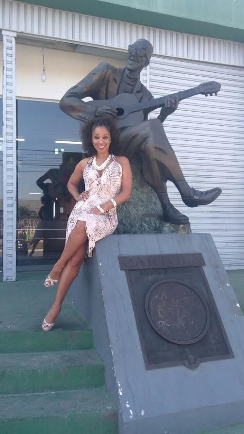 """Adriana Lessa, em cartaz com """"Cartola, o mundo é um moinho"""", visitou o Museu do Samba (Foto: Divulgação)"""
