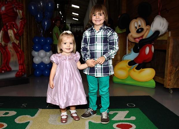 Os aniversariantes, Emmo e Victoria (Foto: Ag news)