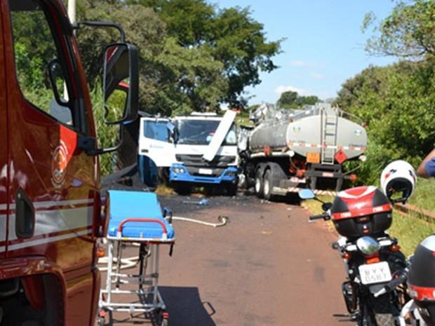 Caminhões se chocaram na tarde desta quarta-feira (1º) (Foto: Portal Paraguaçu )