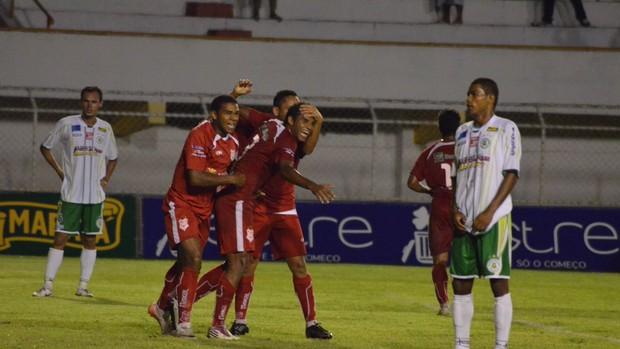 Jogo entre Sergipe e Guarany no Batistão (Foto: João Áquila/GLOBOESPORTE.COM)