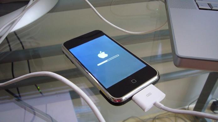 Smartphones e tablets geralmente apresentam grandes modificações após a atualização de seus firmwares (Foto: Reprodução/Flirck - Schill)