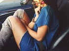 Selena Gomez aparece usando look curtinho em foto