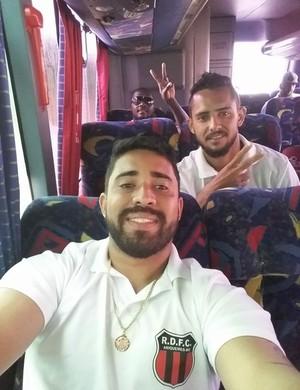 Jogadores do Real Ariquemes embarcam para estreia no Estadual  (Foto: Marco Aurélio/ arquivo pessoal )