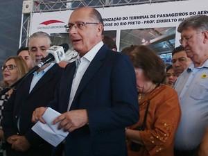 Alckmin diz que em 30 dias o País viveu muitos fatos e considera o momento grave (Foto: Renata Fernandes/G1)