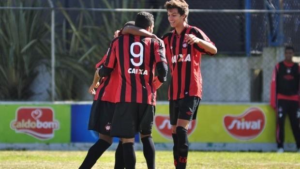 Sub-17 do Atlético-PR vence o Ceará (Foto: Site oficial do Atlético-PR/Divulgação)